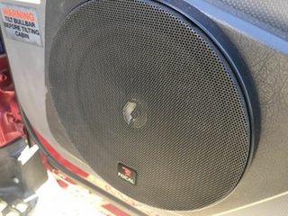 2010 Isuzu NPR 200 Maroon Tray
