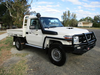 2018 Toyota Landcruiser VDJ79R MY18 Workmate (4x4) French Vanilla 5 Speed Manual Cab Chassis.