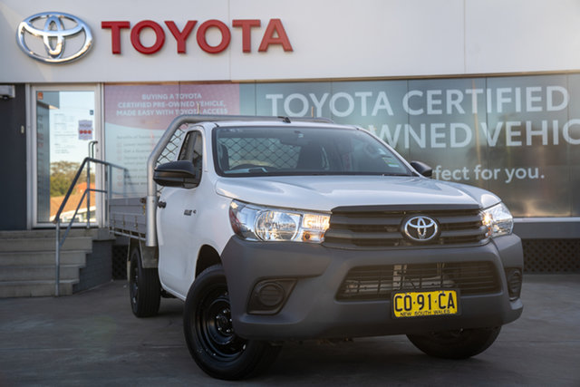 Pre-Owned Toyota Hilux TGN121R Workmate 4x2 Guildford, 2017 Toyota Hilux TGN121R Workmate 4x2 Glacier White 6 Speed Sports Automatic Cab Chassis