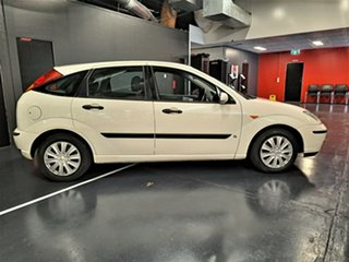 2004 Ford Focus LR MY2003 CL White 5 Speed Manual Hatchback.