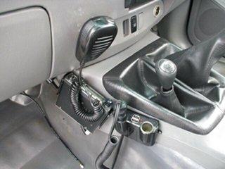 2009 Toyota Hilux SR 4x4 White 5 Speed Manual Dual Cab