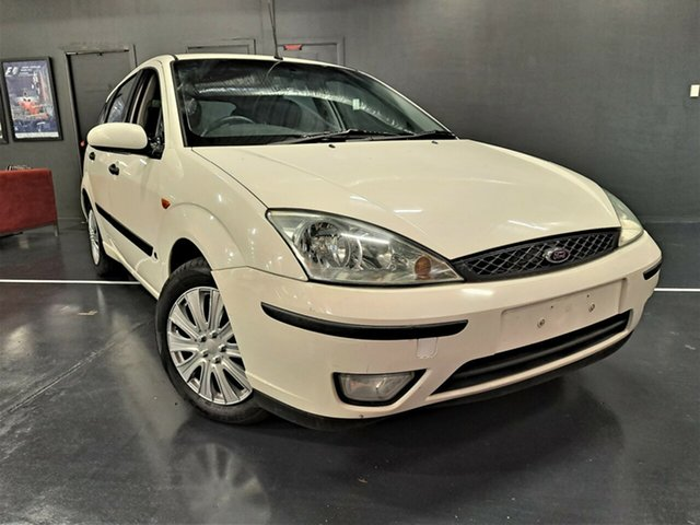 Used Ford Focus LR MY2003 CL Ashmore, 2004 Ford Focus LR MY2003 CL White 5 Speed Manual Hatchback