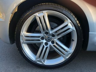 2012 Volkswagen Scirocco 1S MY12 R Coupe DSG Titanium Black-Crystal Gray 6 Speed