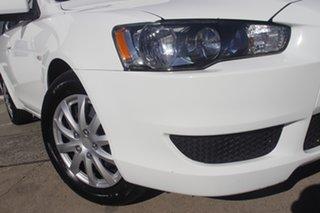 2013 Mitsubishi Lancer CJ MY14 ES Sportback White 5 Speed Manual Hatchback.