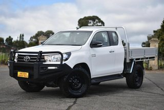 2017 Toyota Hilux GUN126R SR Extra Cab White 6 Speed Manual Cab Chassis.