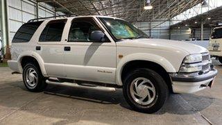 2000 Chevrolet Blazer LT White 4 Speed Automatic Wagon.