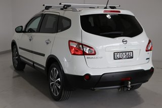 2012 Nissan Dualis J107 Series 3 MY12 +2 Hatch X-tronic 2WD Ti White 6 Speed Constant Variable.
