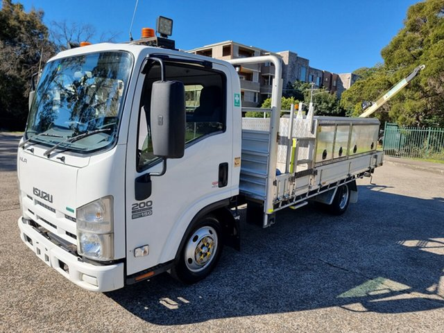 Used Isuzu NLR200 Homebush West, 2012 Isuzu NLR200 Crane White Service Body