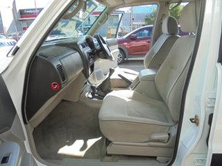 2002 Nissan Patrol GU III MY2002 ST White 5 Speed Manual Wagon