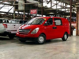 2009 Hyundai iLOAD TQ-V Red 5 Speed Manual Van.