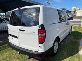 2017 Hyundai iLOAD TQ Series II (TQ3) MY1 6S Liftback White 5 Speed Automatic Crew Van.