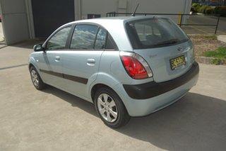 2009 Kia Rio JB MY09 LX Silver, Chrome 5 Speed Manual Hatchback.