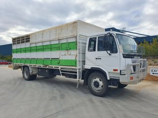 2007 UD PK10 PK10 Truck Stock/Cattle crate.