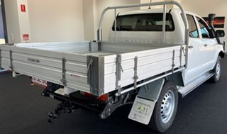 2015 Toyota Hilux KUN26R MY14 SR Double Cab White 5 Speed Automatic Utility.