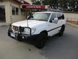 2000 Toyota Landcruiser HDJ100R GL (4x4) White 5 Speed Manual Wagon.