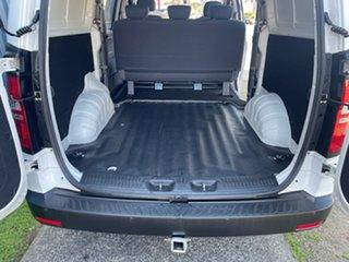 2017 Hyundai iLOAD TQ Series II (TQ3) MY1 6S Liftback White 5 Speed Automatic Crew Van