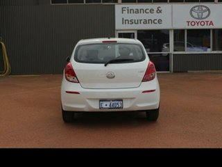 2015 Hyundai i20 PB MY14 Active White 4 Speed Automatic Hatchback.