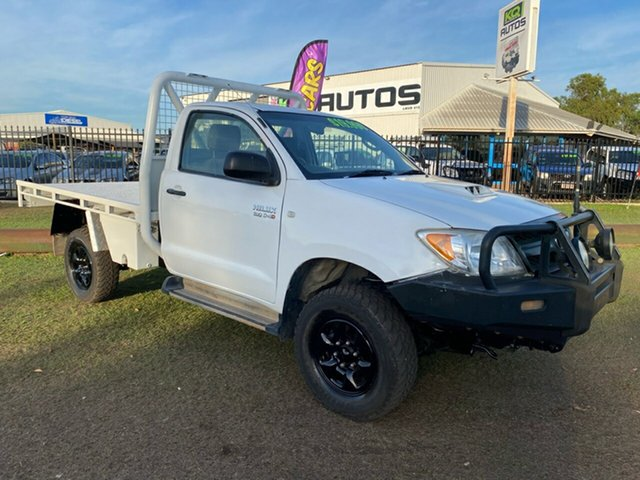 Used Toyota Hilux KUN26R MY07 SR Berrimah, 2007 Toyota Hilux KUN26R MY07 SR White 5 Speed Manual Cab Chassis