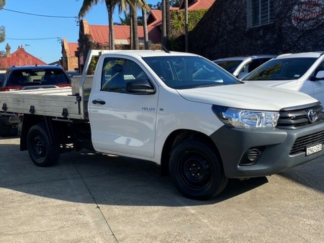 Pre-Owned Toyota Hilux TGN121R Workmate Mosman, 2017 Toyota Hilux TGN121R Workmate Glacier White 5 Speed Manual Cab Chassis