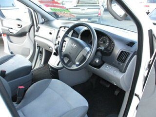 2014 Hyundai iMAX White 4 Speed Automatic Van