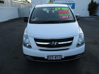 2014 Hyundai iMAX White 4 Speed Automatic Van.