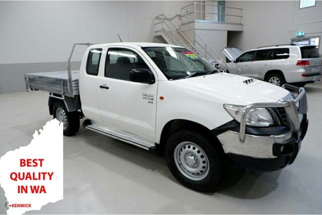 Used Toyota Hilux KUN26R MY14 SR Xtra Cab Kenwick, 2015 Toyota Hilux KUN26R MY14 SR Xtra Cab White 5 Speed Manual Cab Chassis