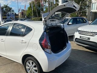 2017 Toyota Prius c NHP10R MY15 I-Tech Hybrid Glacier White Continuous Variable Hatchback