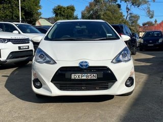 2017 Toyota Prius c NHP10R MY15 I-Tech Hybrid Glacier White Continuous Variable Hatchback.