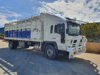 2001 Volvo FL250 FL250 Truck White Stock/Cattle crate.