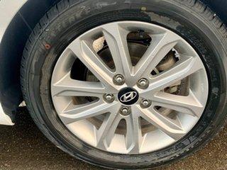 2015 Hyundai Elantra MD3 SE White 6 Speed Sports Automatic Sedan