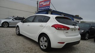 2014 Kia Cerato YD MY15 S White 6 Speed Sports Automatic Hatchback.