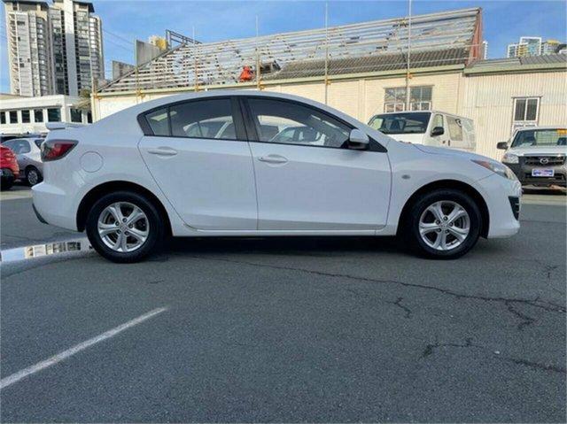 Used Mazda 3 BL 10 Upgrade Maxx Southport, 2011 Mazda 3 BL 10 Upgrade Maxx White Automatic Sedan