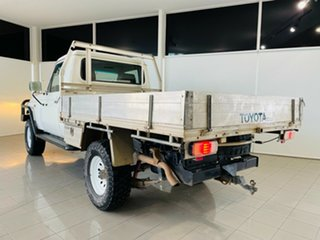 2009 Toyota Landcruiser VDJ79R Workmate White 5 Speed Manual Cab Chassis.