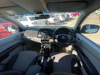 2009 Mitsubishi Triton MN MY10 GLX Double Cab White 5 Speed Manual Utility.