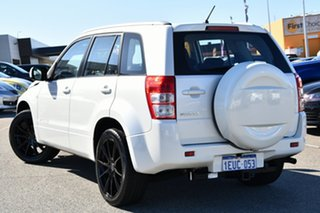 2015 Suzuki Grand Vitara JB Navigator 2WD White 4 Speed Automatic Wagon.