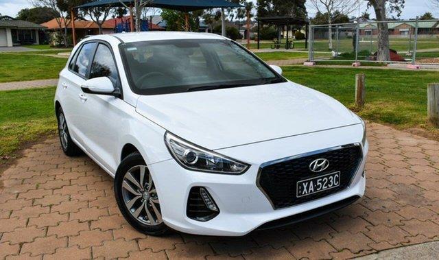 Used Hyundai i30 PD MY18 Active Ingle Farm, 2017 Hyundai i30 PD MY18 Active White 6 Speed Manual Hatchback