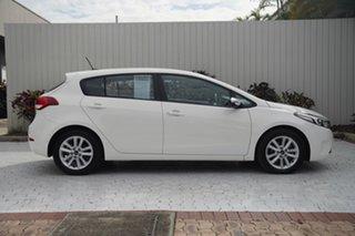 2016 Kia Cerato YD MY17 S White 6 Speed Sports Automatic Hatchback.