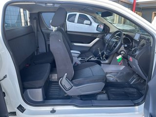 2012 Mazda BT-50 XT (4x4) White 6 Speed Manual Freestyle Cab Chassis.