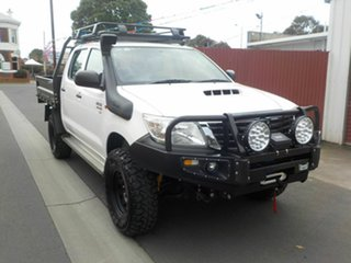 2015 Toyota Hilux KUN26R MY14 SR (4x4) White 5 Speed Automatic Double Cab Chassis.