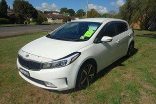 2018 Kia Cerato YD MY18 Sport+ White 6 Speed Sports Automatic Hatchback.