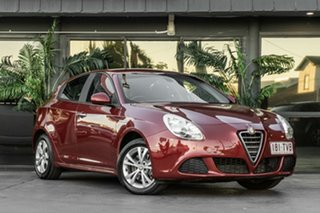 2014 Alfa Romeo Giulietta Series 0 MY13 Progression Red 6 Speed Manual Hatchback.