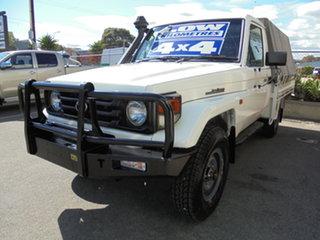 2005 Toyota Landcruiser HZJ79R White 5 Speed Manual Cab Chassis.