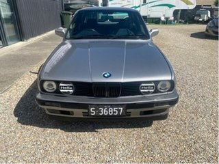 1989 BMW 325i Executive Silver 5 Speed Manual Sedan.