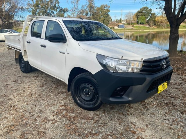 Used Toyota Hilux GUN122R Workmate Double Cab 4x2 Wodonga, 2017 Toyota Hilux GUN122R Workmate Double Cab 4x2 White 5 Speed Manual Utility