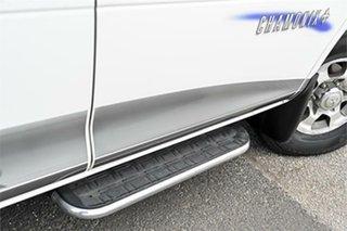 2006 Mitsubishi Delica PD6W Spacegear Chamonix White 4 Speed Automatic Van Wagon.