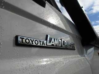 2016 Toyota Landcruiser VDJ78R MY12 Update Workmate (4x4) 2 Seat White 5 Speed Manual TroopCarrier