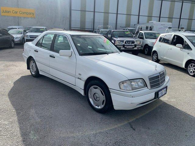 Used Mercedes-Benz C200 W202 Classic Wangara, 1997 Mercedes-Benz C200 W202 Classic White 5 Speed Automatic Sedan