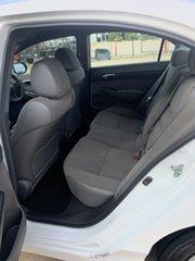 2006 Honda Civic 8th Gen VTi White/010806 5 Speed Automatic Sedan