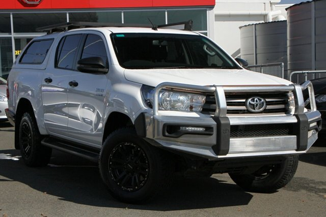Used Toyota Hilux GUN126R SR Double Cab Toowoomba, 2017 Toyota Hilux GUN126R SR Double Cab White 6 Speed Manual Cab Chassis