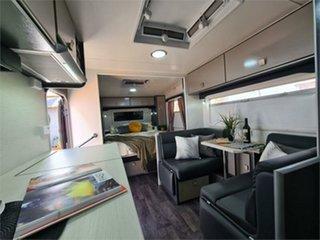 2015 Retreat Hamilton Caravan